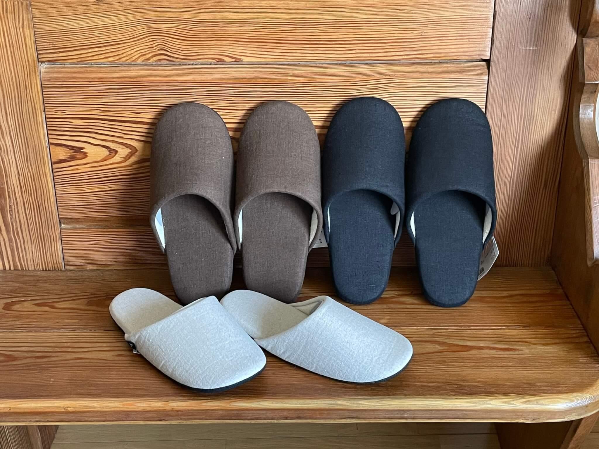 Linen slippers